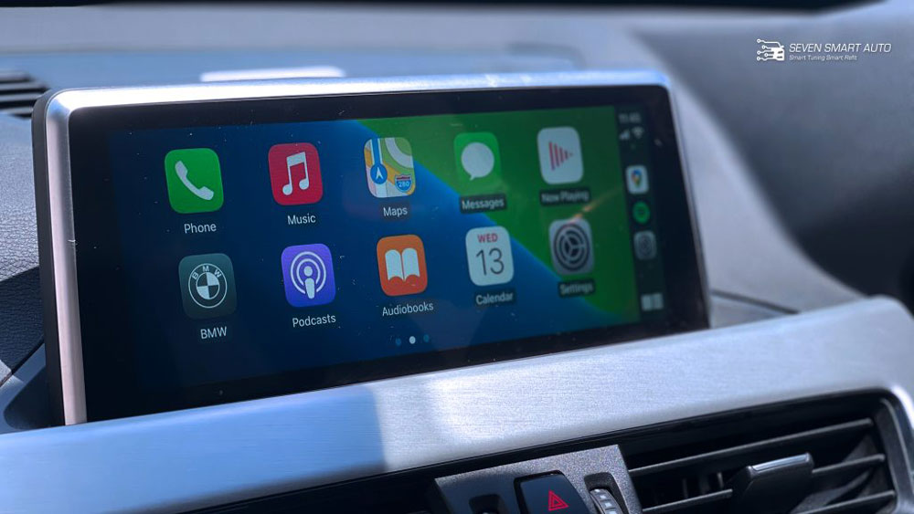 how to play music from iphone car aux